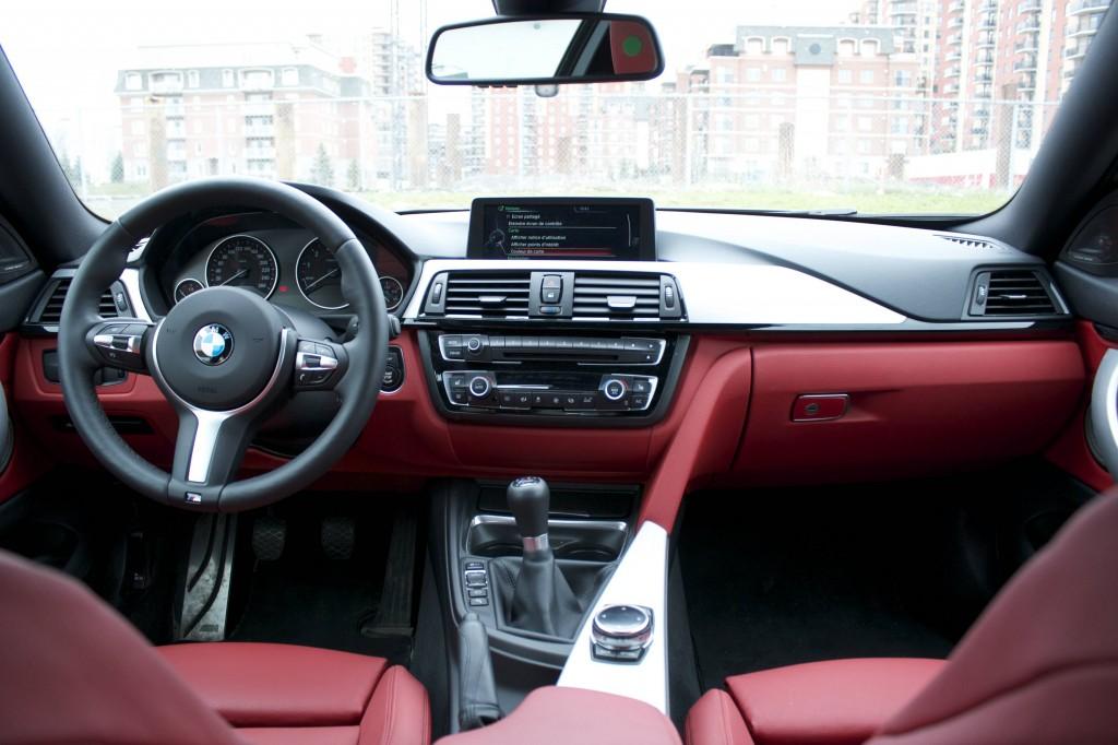 2014 BMW 435i xDrive coupe cockpit