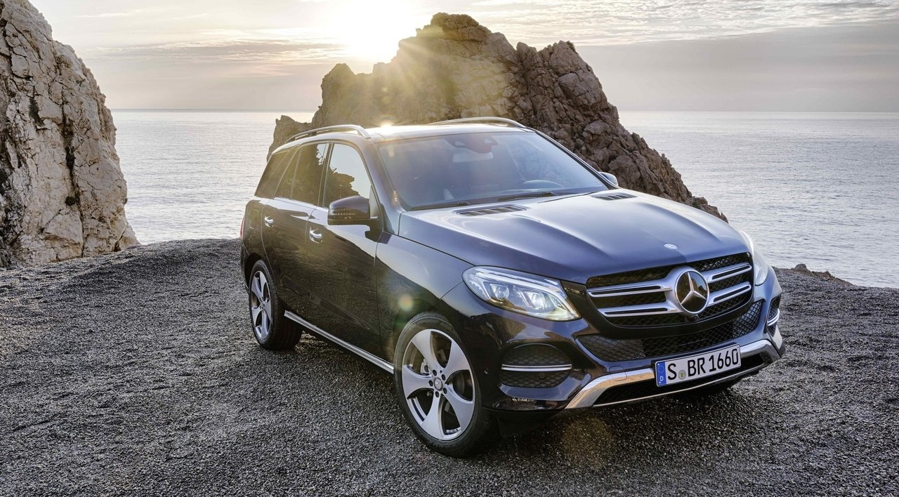 11-Mercedes-Benz-GLE_2016_1280x960_wallpaper_01