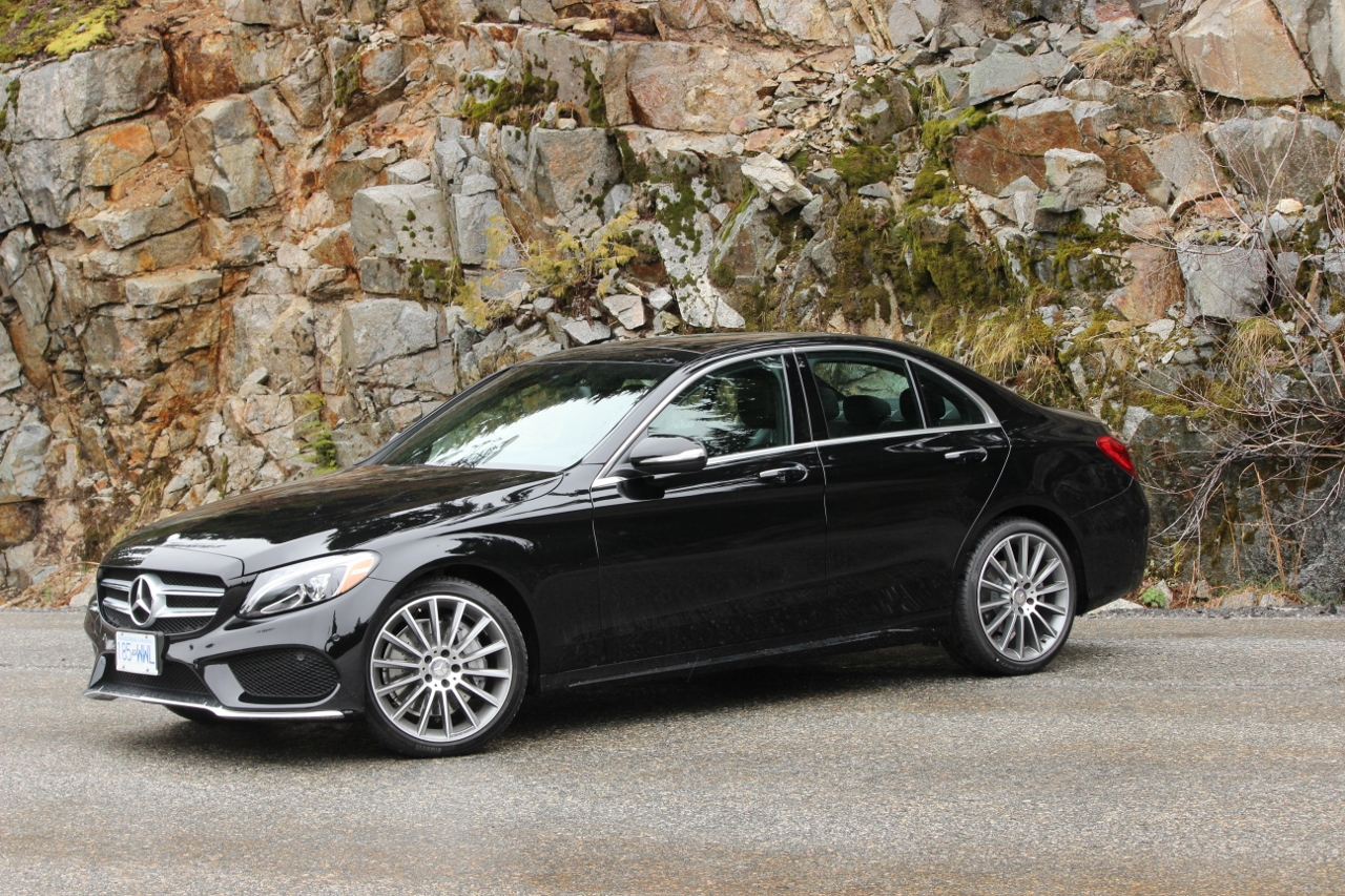 Review 2015 mercedes benz c400 4matic luxurycarmagazine en for 2015 mercedes benz c300 4matic