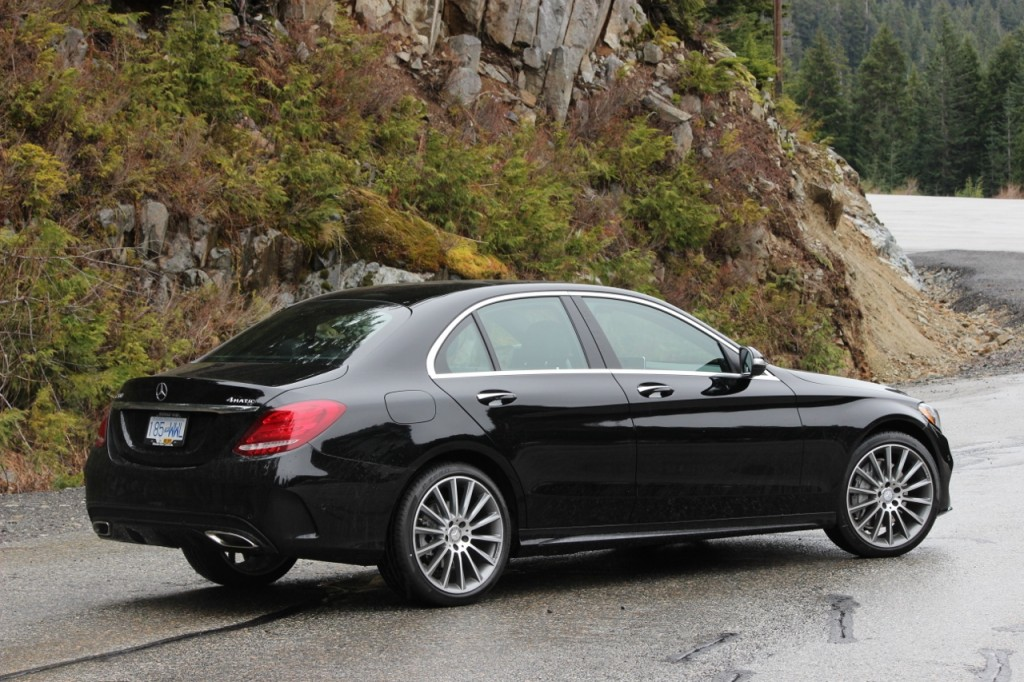 Review 2015 mercedes benz c400 4matic luxurycarmagazine en for 2015 mercedes benz c400