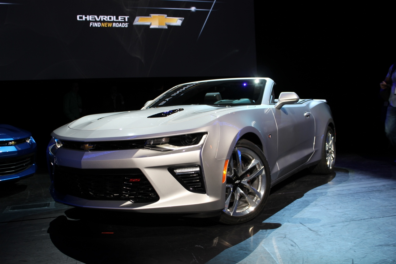 2016 Chevrolet Camaro Convertible debuts in Detroit ...