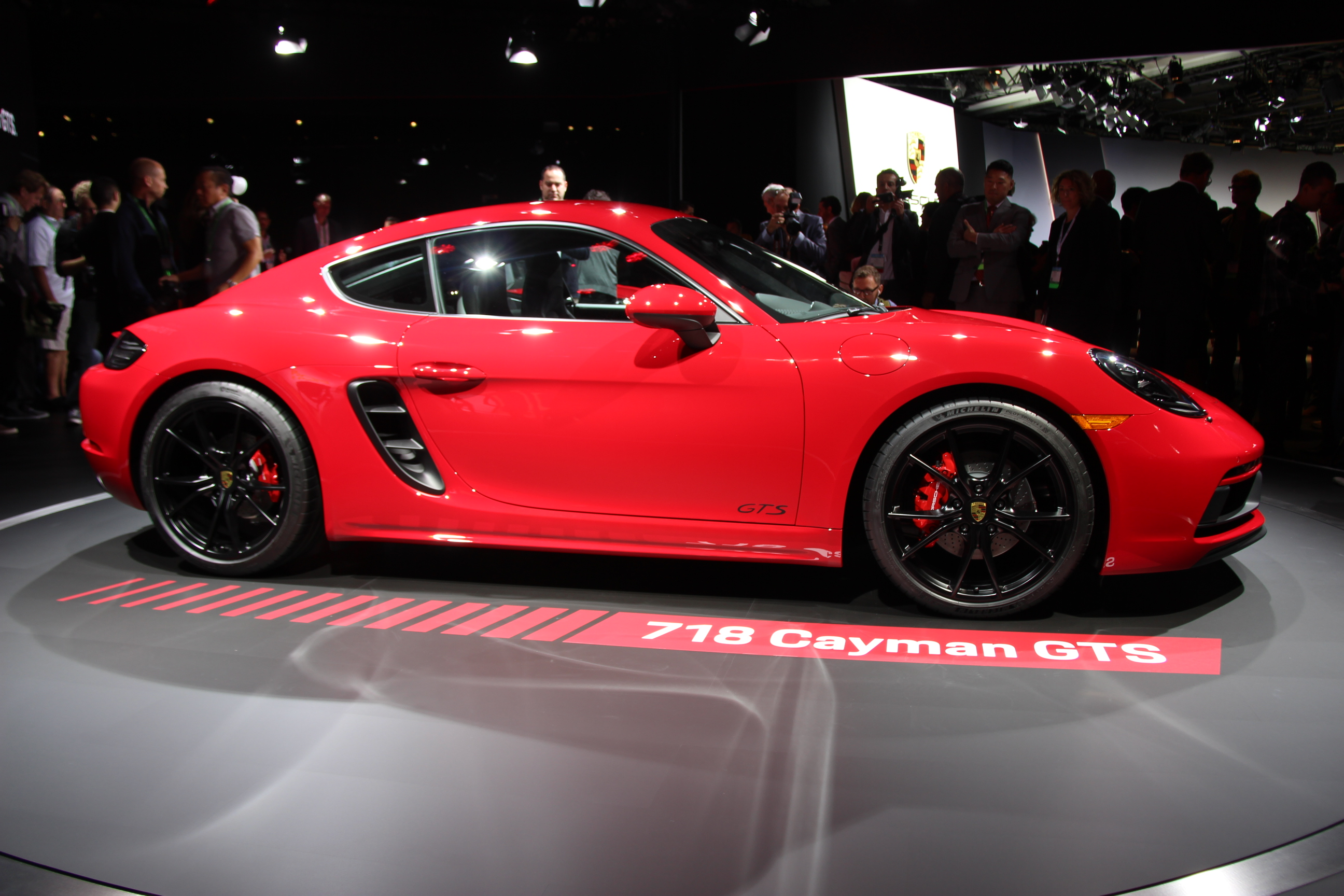 Porsche unveils 2018 718 Cayman GTS and 718 Boxster GTS in Los Angeles