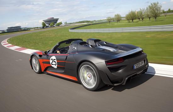Porsche 918 10